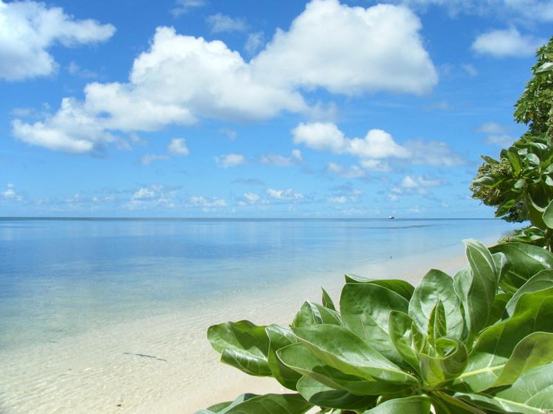 自然と戦跡の島