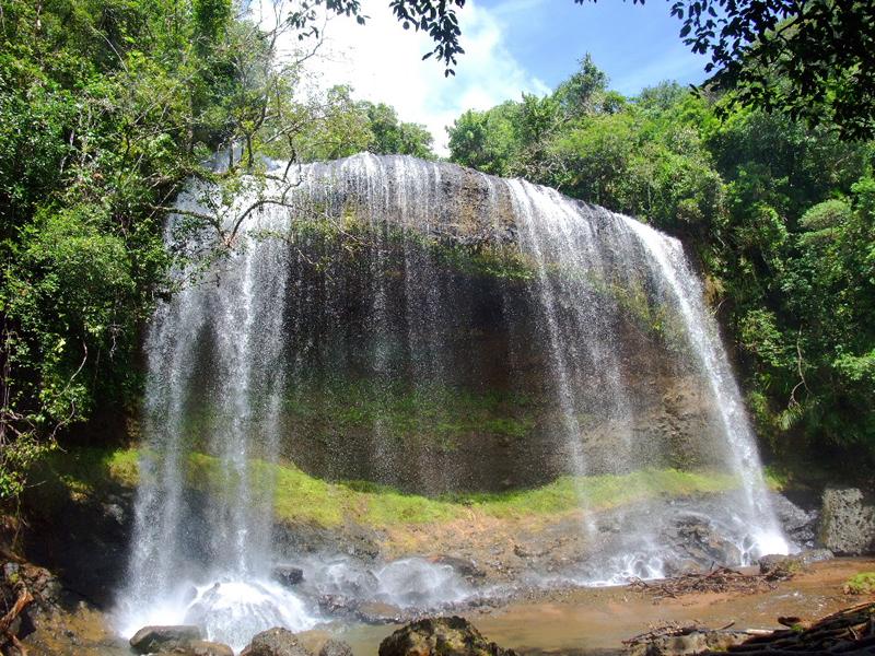 パラオ最大の滝